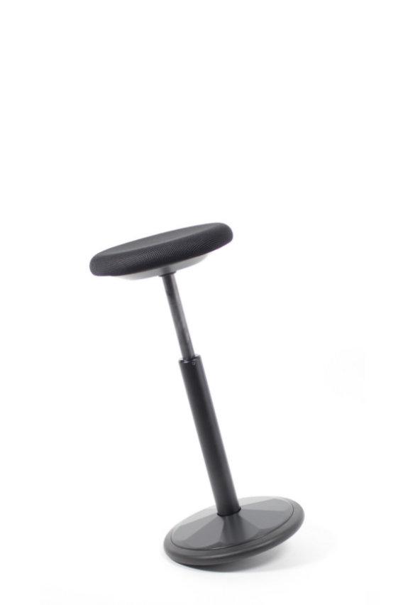 dynaaminen istuma-seisomatuki